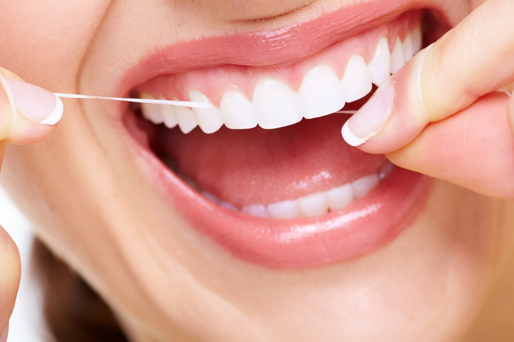 usar-la-seda-dental
